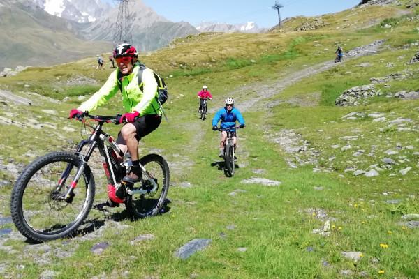 Pedalando sulla storia - Alp in Attività in Valle D'Aosta
